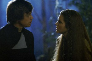luke-and-leia-discussing-mother